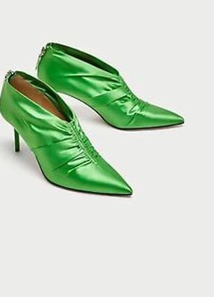 Атласные ботильоны ,сатиновые туфли, ботинки zara