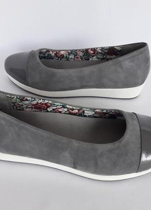 Шикарнючие легкие кожаные туфельки