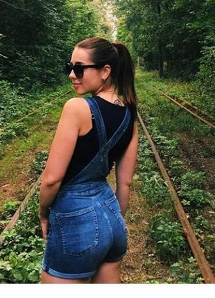 Крутой джинсовый комбинезон от h&m