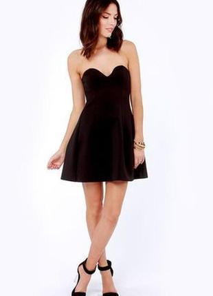 Маленькое чёрное платье, бюстье