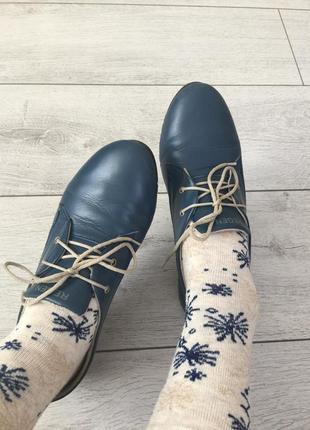 Распродажа!!!стильные/кожаные кроссовки/кеды со шнурком 37р-р regatta