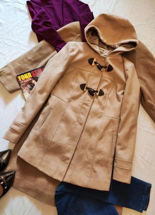 Пальто бежевое с капюшоном прямое с карманами даффлкот