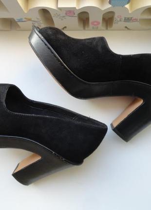 Суперские туфли нат. замша с открытым носком .