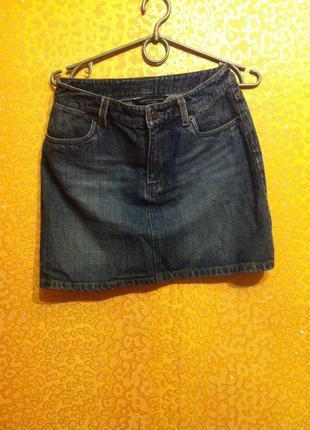 Классна джинсовая юбка, с завышенной талией