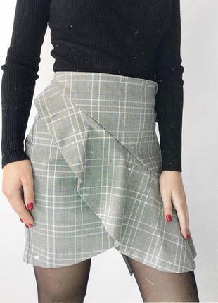 Актуальная трендовая серая юбка в клетку от h&m