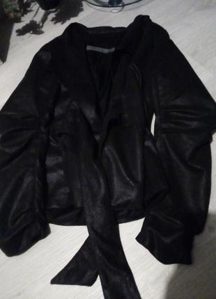 Брендовая куртка с поясом