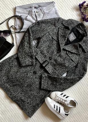 Крутое шерстяное пальто с поясом