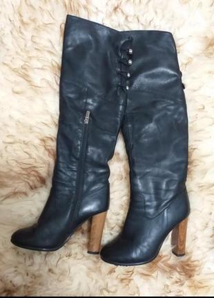 Кожаные зимние сапоги ботфорты на каблуке