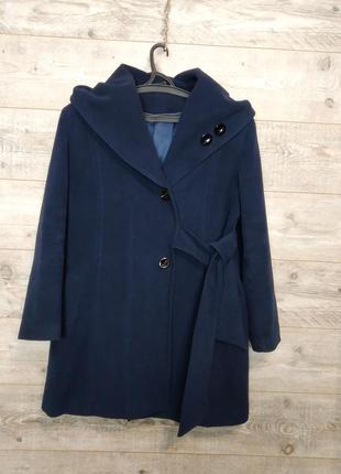 Демисезонное темносинее пальто ,  м,l размер