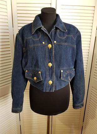 Стильная джинсовая куртка roccobarocco