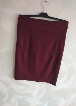 Бордовая трикотажная юбка карандаш saint tropez
