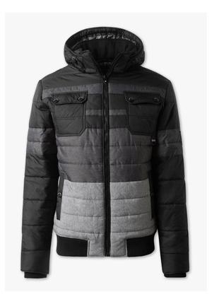 Эксклюзивная куртка с термокапюшоном р.s, подойдёт подростку рост 164-170см.