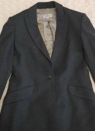 Шерстяной пиджак.