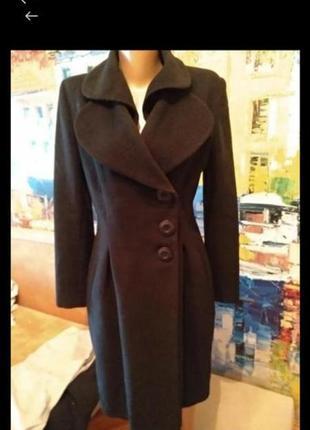 Брендовое шерстяное  идеальное пальто!