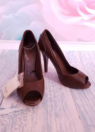 Туфли bershka 36 размер