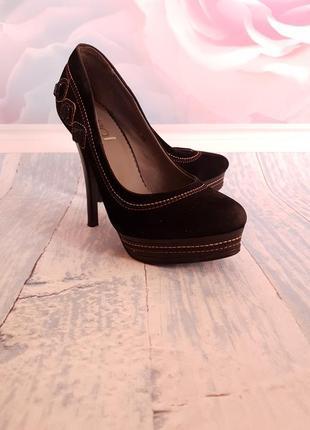Нарядные туфли под замш 36 размер