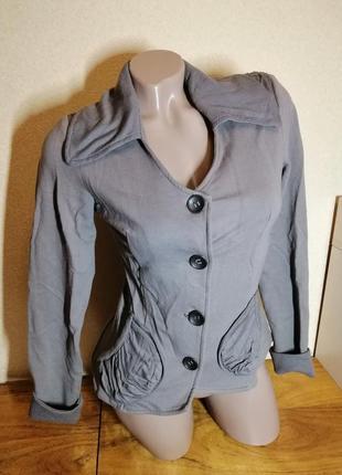 Кофта пиджак на пуговицах