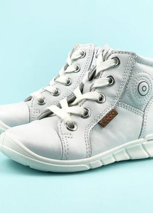 Кожаные демисезонные ботинки на девочкуecco