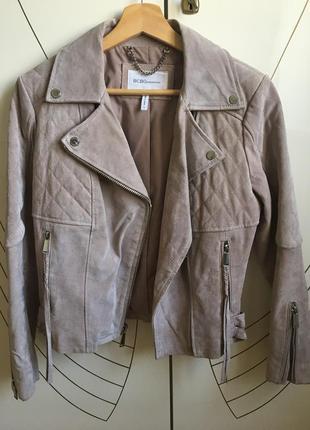 Тёплая замшевая куртка пудрово-розового цвета.1 фото
