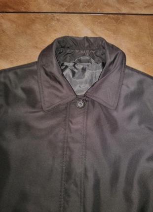 Брендовое пальто оливкого цвета