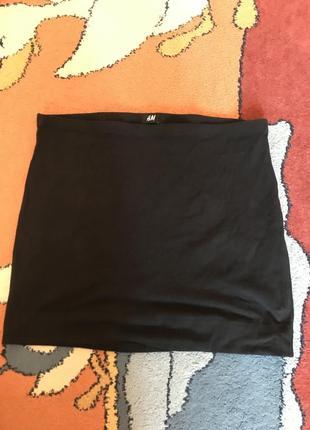 Чёрная юбка карандаш