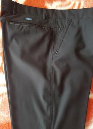 Красивые классические брюки