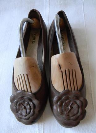 Кожаные туфли  балетки lasocki р.39--ст.25,5