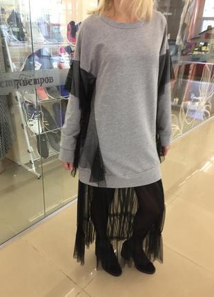 Стильное платье.италия .размер универсальный.
