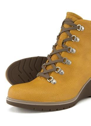 Удобные кожаные ботинки на танкетке ecco/ оригинал