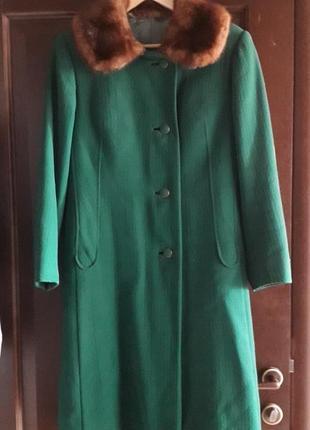Пальто женское с норковым воротником