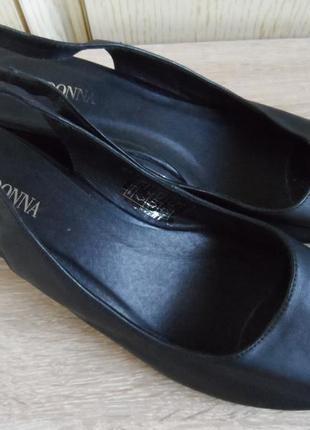 Кожаные босоножки don donna, 41р., 26,5см.