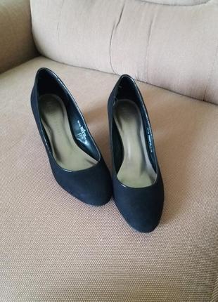 Стильні зручні туфлі замш фірми m&s