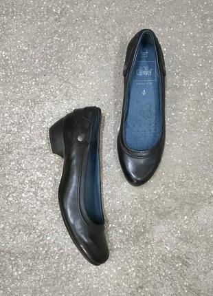 Кожаные туфли от caprice, walking on air