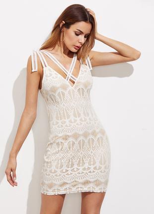 Красивое платье по фигуре на завязках р. 10-12