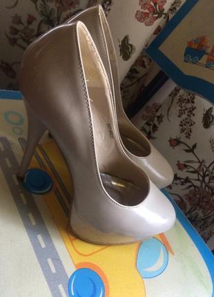 Туфлі 39 р