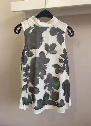 Элегантная шифоновая блуза с вышивкой бисером.