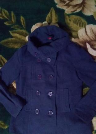 Короткое фиолетовое пальто h&м