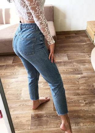 Джинсы mom брендовые , джинсы topshop плотные с высокой посадкой