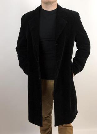 Мужское стильное вельветовое пальто zara черного цвета