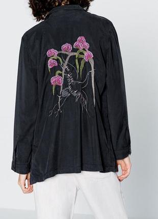 """Легкий пиджак с вышивкой """"pull & bear"""""""