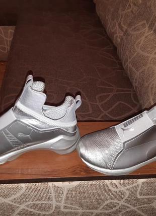 Пумы кроссовки