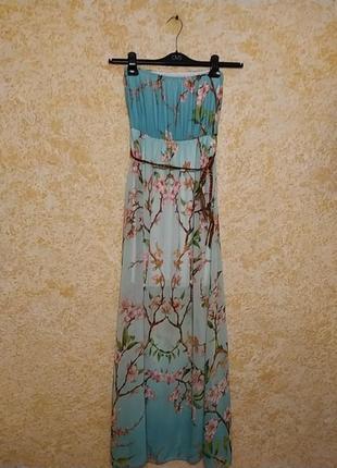 Легкое летнее платье бандо с плетеным пояском