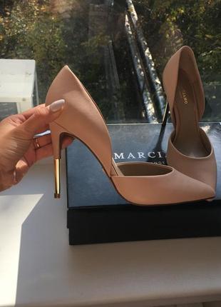 Очень красивые кожаные туфли guess by marciano