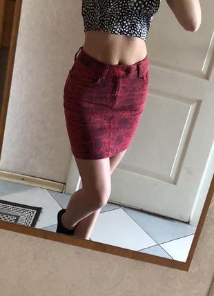 Шикарная юбка в змеиный принт