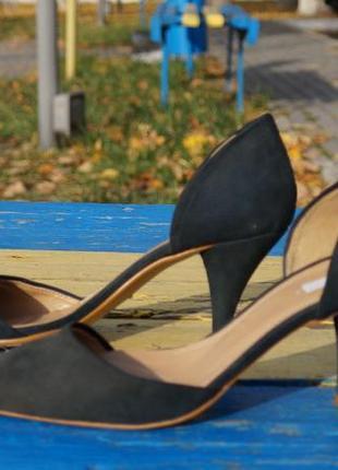 Красиві, оригінальні туфлі zara