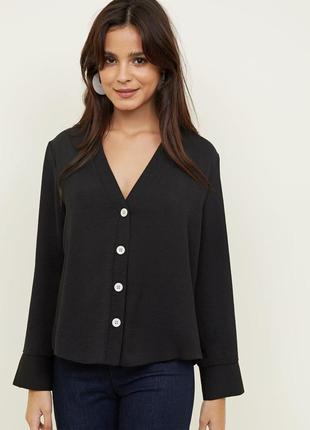 Черная рубашка - блуза с трендовыми пуговицами/ чорна рубашка - блуза з гудзиками