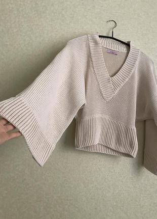 Оригинальный свитер кимоно с широкими рукавами