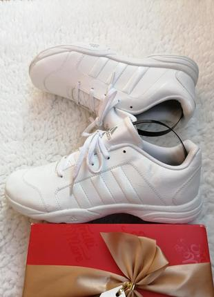 Кроссовки adidas. oригинал, art g04973