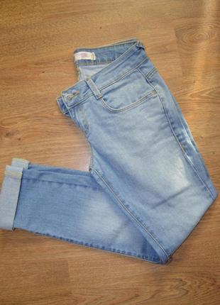 Классные  джинсы   в состоянии новых
