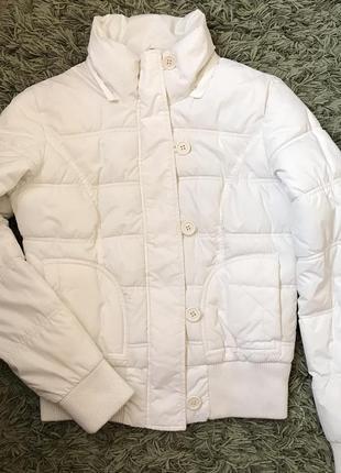 Демисезонная белая куртка / курточка